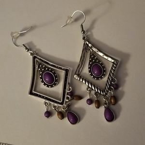 PAPARAZZI dangling silver and purple earrings